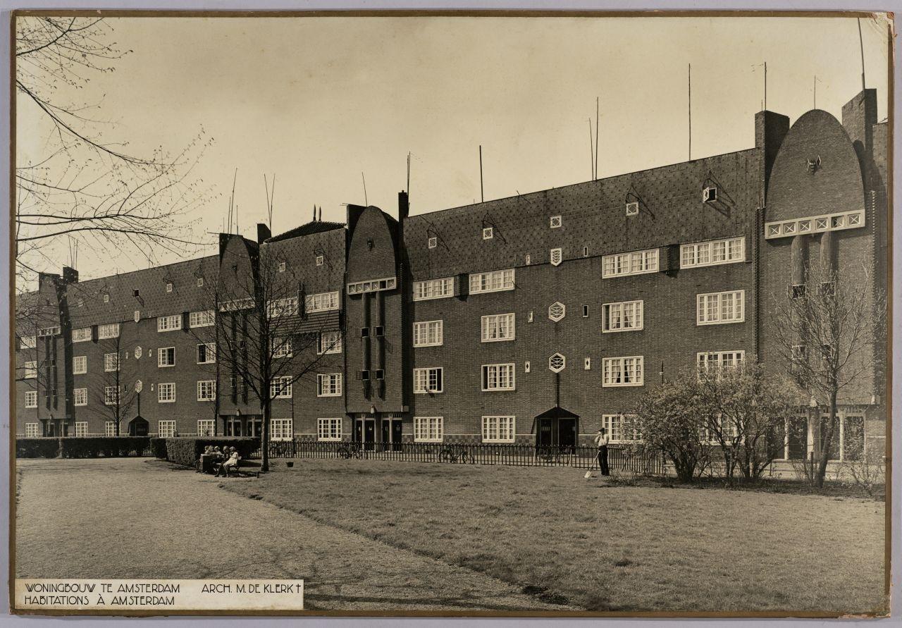 Woningen_-_Houses_%22Eigen_Haard%22_(6828945457).jpg