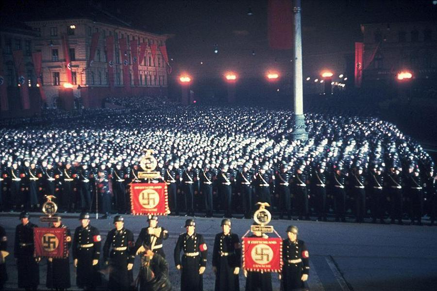 Munich Under Nazi Rule: Color Photos