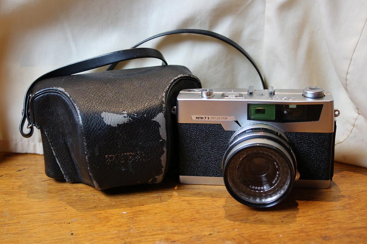 Petri 7s camera
